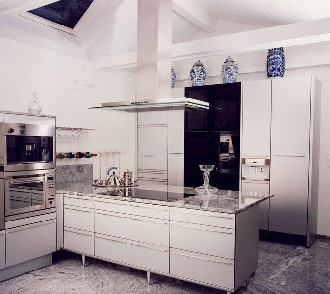 k chen b der in efringen kirchen erwin bucher gmbh historie. Black Bedroom Furniture Sets. Home Design Ideas